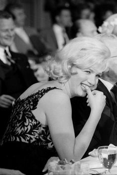 Marilyn at the Kruschev banquet at Fox studios, 19 September 1959.