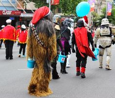 Famous Star Wars characters collecting for charity before start of the parade        Auckland Farmers Santa Parade – tomorrow. ... 26  PHOTOS        ... The new creatures in 2017 will appear: the eclectic, science fantasy movement - Steampunk, plus Madagascar Penguins        Originally posted:         http://softfern.com/NewsDtls.aspx?id=1142&catgry=7            #characters, #Monster Mash, #Superman at Santa parade, #Auckland event, #photos by SoftFern, #Cheerleaders, #Santa at Auckland's…
