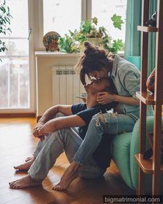 All couples live periods of crisis. Based on how these processes take place, they may or may not recover love, and this is where couple therapy can help. Cute Couples Photos, Cute Couple Pictures, Cute Couples Goals, Couples In Love, Couple Goals, Couple Style, Cute Love Couple, Couple Posing, Couple Shoot