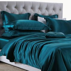 Top quality mulberry silk bedding, Machine Washable silk sheets and silk bed linens. Silk sheet sets are perfect for the ultimate sleeping experience. Teal Bedding Sets, Teal Comforter, Silk Bedding, Luxury Bedding Sets, Black Bedding, Comforter Sets, King Comforter, Bedroom Green, Master Bedroom