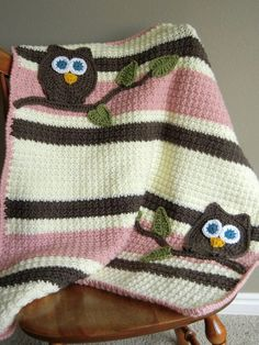 Cute crochet owl blanket. No pattern, but it looks simple enough construction wise, I think I can figure it out!