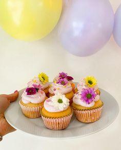 Tartaletky s pudinkovým krémem a ovocem | Recept - Diana Ella Kefir, Mini Cupcakes, Diana, Desserts, Food, Rpg, Tailgate Desserts, Deserts, Essen