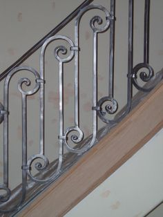 Home Decorating Magazines Usa Info: 8806555252 Staircase Railing Design, Stairs Balusters, Iron Handrails, Wrought Iron Stair Railing, Balcony Railing Design, Window Grill Design, Iron Staircase, Wrought Iron Decor, Metal Stairs