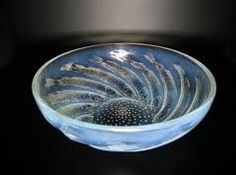 Rene Lalique opalescent glass Poissons No 1 bowl