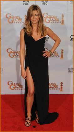 Jennifer Aniston at the Golden Globes. The thigh high split is baaack. LOVE!