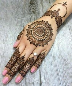 As the time evolved mehndi designs also evolved. Now, women can never think of any occasion without mehndi. Let's check some Karva Chauth mehndi designs.Legs are a very beautiful canvas for showcasing Mehndi. It is a tradition for the Indian bride to Latest Bridal Mehndi Designs, Back Hand Mehndi Designs, Finger Henna Designs, Mehndi Designs 2018, Mehndi Designs For Girls, Modern Mehndi Designs, Legs Mehndi Design, Mehndi Designs For Fingers, Mehndi Design Pictures