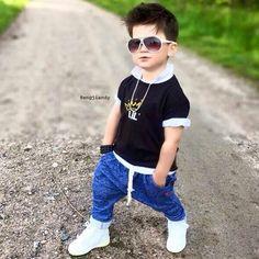 27 Little Smart Boys Stylish Baby Boy, Stylish Little Boys, Trendy Baby Clothes, Stylish Kids, Toddler Boy Fashion, Toddler Outfits, Boy Outfits, Fashion Kids, Toddler Boys