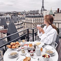 Wouldn't mind having breakfast with this view every day не была бы против завтрака с таким видом каждый день
