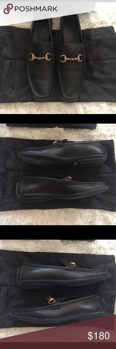 Gucci horsebit loafers Gucci horsebit Black loafer, excellent condition. Worn once and they are too small for me. Box included. Reasonable offers always accepted. Gucci Shoes Flats & Loafers
