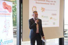 Jan van de Meer, wethouder Nijmegen, tijdens de Dag van de Duurzaamheid 10-10-2013.