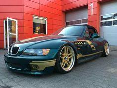 BMW Z3 green slammed
