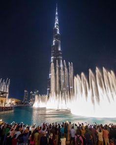 Dubai Fountain Show Abu Dhabi, Dubai Guide, Public Realm, Sharjah, United Arab Emirates, Modern Buildings, Burj Khalifa, Places To Travel, Phuket