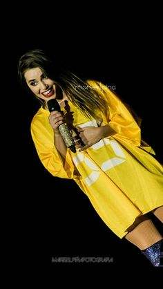 Lali Esposito Camila Gallardo, Queens, Celebs, Celebrities, Rock And Roll, Famous People, Diva, Raincoat, Hollywood
