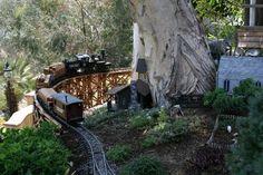 Beautiful-and-spectacular-Garden-Railway-1