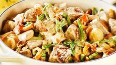 Helstekt svinefilet med soppsaus. - Aperitif.no Kung Pao Chicken, Potato Salad, Potatoes, Meat, Dinner, Ethnic Recipes, Food, Dining, Potato