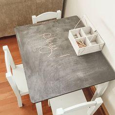 Spray Painting a Patio Table - Sweet Maple Lane Spray Painting Wood Furniture, Painted Furniture, Farmhouse Style Bedding, Farmhouse Decor, Rustoleum Chalk Paint, Interior Decorating, Interior Design, Patio Table, Diy Signs