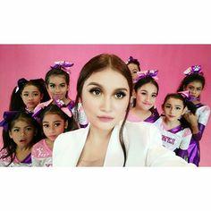 Ayda Jebat @aydajebat -  Rindu my girls so much!  #AydaJebat #SiapaDiriku #MVsiapadiriku #BudakBudakKenid