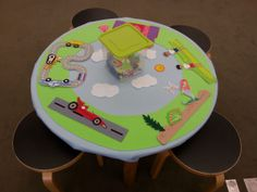 Felt Board Table - easy and adorable! Will definitely do this soon.