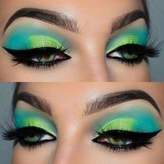 Eyeshadow Looks (notitle) Makeup Eye Looks, Beautiful Eye Makeup, Eye Makeup Art, Skin Makeup, Eyeshadow Makeup, Eyeshadows, Eyeliner, Creative Eye Makeup, Colorful Eye Makeup