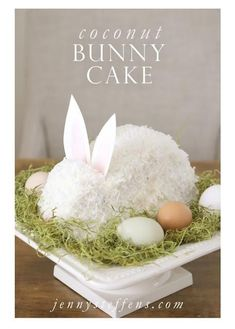 Easter Cakes, Easter Bunny Cakes, Cute Easter Cakes, Easter Coconut Cake and Easter Egg Cakes! Check out these beautiful and cute Easter Cakes! Easter Cake Easy, Easter Bunny Cake, Hoppy Easter, Easter Treats, Bunny Cakes, Bunny Birthday Cake, Easy Easter Recipes, Easter Egg Cake, Easy Easter Desserts