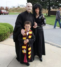 13 quirky 'Harry Potter' costume ideas to make your Halloween magical Harry Potter Family Costume, Harry Potter Groups, Harry Potter Halloween Costumes, Harry Potter Cosplay, Theme Harry Potter, Harry Potter Outfits, Harry Potter Birthday, Cute Costumes, Family Halloween Costumes
