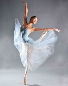 Community about Classical Ballet, Modern Dance and Rhythmic Gymnastics Ballerina Art, Ballerina Dancing, Ballet Art, Ballet Dancers, Ballerinas, Ballet Images, Ballet Pictures, Dance Pictures, Modern Dance