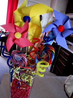 PINWHEELS _ REALLY RELLY BIG ONES FOR ROOM DECORATIONS?