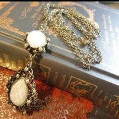Antique Vintage Looking White Tear Drop Necklace BRAND NEW Long