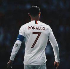 Cr7 Ronaldo, Cristiano Ronaldo 7, Ronaldo Photos, Football Love, Nikki Bella, Champions, Soccer Players, Graphic Sweatshirt, Sweatshirts