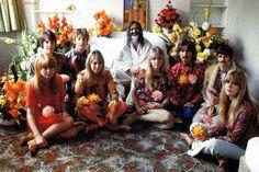""" THE BEATLES. The core Beatles (John Lennon, Paul McCartney, George Harri. Jane Asher, George Harrison, Julian Lennon, Les Beatles, Beatles Songs, George Beatles, Beatles Bible, Robert Kennedy, Ringo Starr"