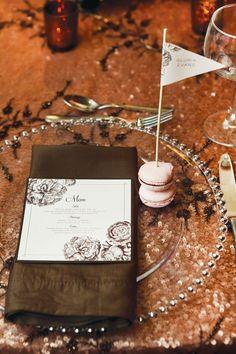 Romantic Modern Vintage Wedding Ideas in pink & brown: lantern centerpieces, glass vases, white florals, a brown floral menu + sparkles! Brunch Wedding, Wedding Menu, Wedding Day, Bear Wedding, Bling Wedding, Wedding Blush, Vintage Theme, Vintage Bridal, Vintage Style