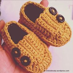 Little Man Button Loafers~~~Free pattern from shareapattern.com