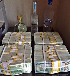 This is your choice every weekend, vodka, tequila or #FinancialFreedom & the #DreamLife with no debt, bosses or limitations in life when you make enough money thanks to hard work & study...can you guess how much cash I have here? I hardly drink anymore as I have too many students depending on me with daily lessons, webinars & realtime #StockMarket commentary every weekday...weekends are for my fiancée, family & working on @wolfmillionaire but it's all about teaching people LIKE YOU how to…