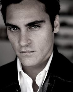 Joaquim Phoenix did such a good job in Walk the Line as Johnny Cash!