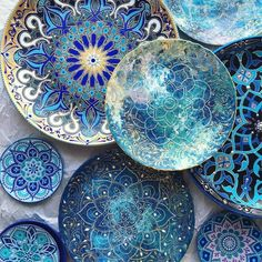 Turquoise ceramic plates with hand drawn mandala designs. Ceramic Plates, Ceramic Pottery, Ceramic Art, Blue Pottery, Keramik Design, Color Magic, Blue Magic, Moroccan Decor, Moroccan Plates
