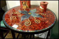 Furhur tile and glass outdoor patio mosaic tables Mosaic Pots, Mosaic Diy, Mosaic Glass, Mosaic Tiles, Stained Glass, Mosaic Designs, Mosaic Patterns, Canto Bar, Mosaic Coffee Table