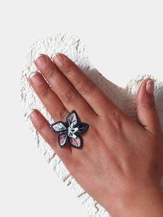 Crochet Flower Ring Adjustable Ring Needle Lace  Ring  by Nakkashe