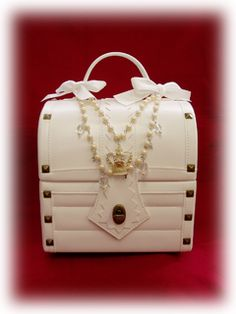 Alice & the Pirates » Bags & Wallets » Treasure Chest Bag