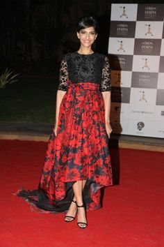 Fashionista Sonam feels that all actresses are following her fashion sense. In an interview Sonam said she does not choose simple roles to shift the focus of the audience from her fashion sense to acting skills.