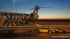 Bombardier CRJ900 da Pluna no Aeroporto de Montevidéu - Uruguai