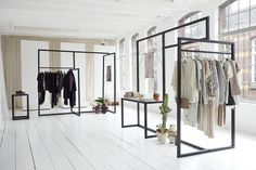 You can build your own amazing minimalistic shop interior with Topclamp. Find your required parts in the website. Clothing Store Interior, Clothing Store Design, Boutique Interior, Boutique Design, Retail Interior Design, Retail Store Design, Fashion Showroom, Retail Fixtures, Store Layout