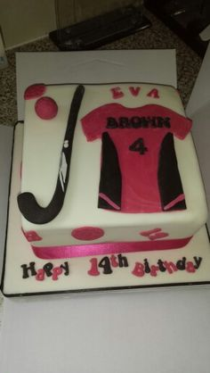 Field hockey cake