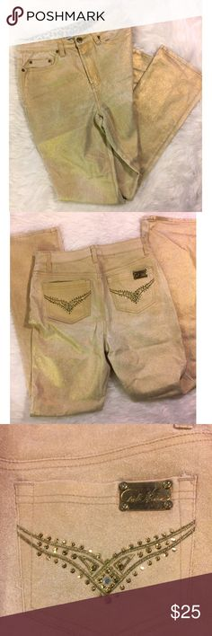 DG2 Gold Glitter Jeans Gold and white Stretch Jeans by DG2 Diane Gilman. Jeans have a white background with gold shimmer overlay on fabric. Shimmer does have distressed look in areas. Beautiful and perfect for upcoming holidays, office causal, or New Years. DG2 Jeans Straight Leg