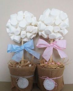 A Simple Birthday Decoration is possible to be held with great taste and some creative tips and ideas, since celebrating the anniversary is something Baptism Party, Baby Party, Party Deco, Sweet Trees, Baby Shawer, Chocolate Bouquet, Candy Bouquet, Candy Table, First Holy Communion