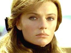 Jacqueline Bisset  #70s #1970 #années70 #beauté #makeup #vintage #retro #maquillage #coiffure