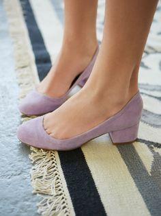 Cyndi Block Heel   Suede round-roe block heel shoes.