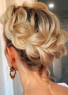 Beautiful Crown Braids Hairstyles for Women 2020 | Voguetypes Knot Braid, Hair Knot, Braided Hairstyles For Wedding, Cool Hairstyles, Trendy Haircuts, Wedding Hair Down, Gorgeous Hair, Beautiful, Hair Trends