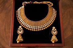 Antique Jewellery Designs, Gold Earrings Designs, Necklace Designs, Gold Temple Jewellery, Gold Chain Design, Gold Jewelry Simple, Gold Necklaces, Manish, Huntington Beach