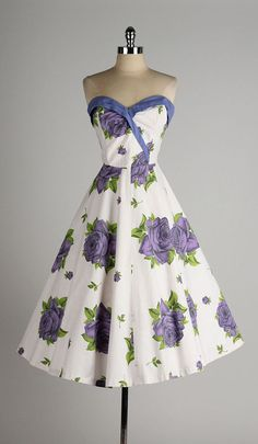vintage 1950s dress . purple rose print . by millstreetvintage