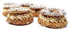 La crème mousseline au Praliné - Les desserts de Julien Dessert Simple, Paris Brest, Macarons, Easy Desserts, Dessert Recipes, Sweet Cocktails, Cooking Chef, Butter, Julien